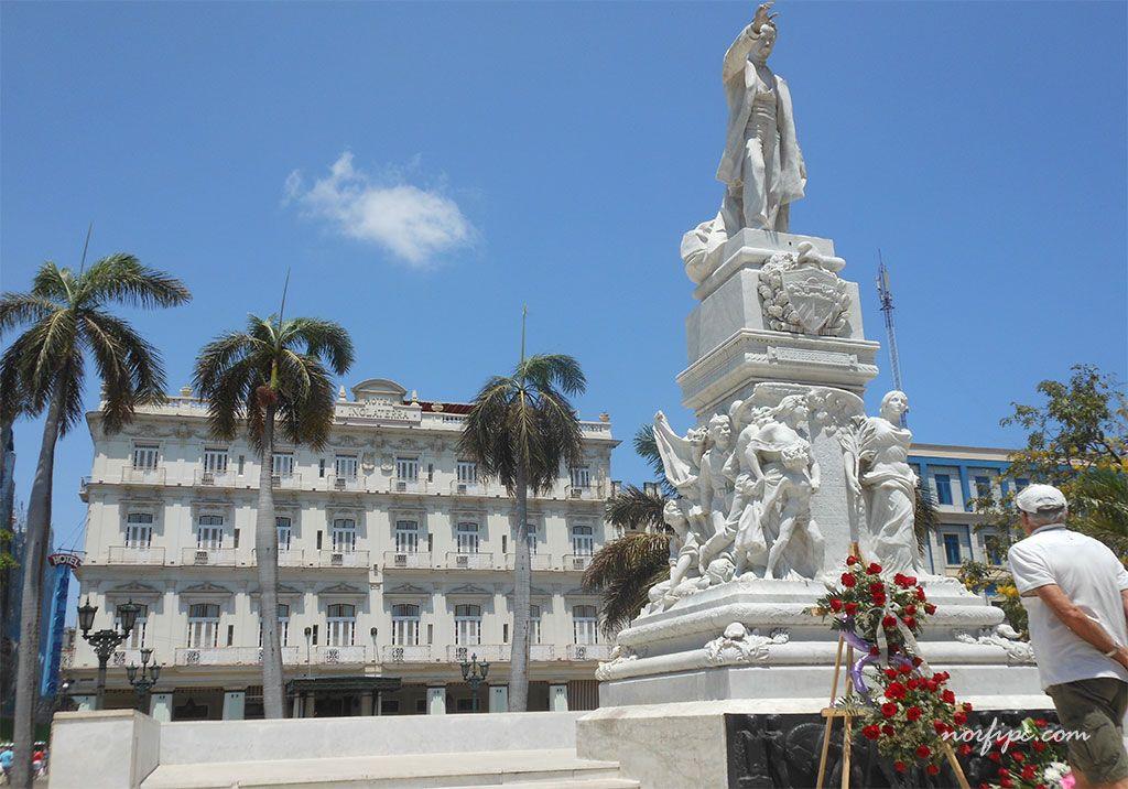 Esculturas en la capital de Cuba
